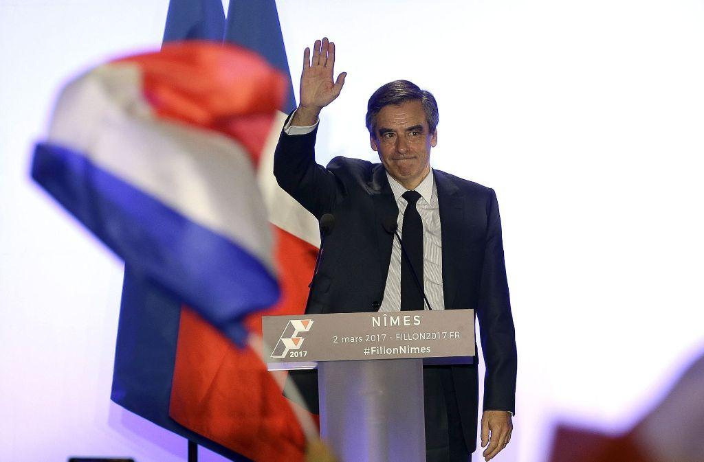 Krisenstimmung bei Frankreichs Konservativen: In der Scheinbeschäftigungsaffäre um Präsidentschaftskandidat François Fillon sind die Rufe nach einem Rücktritt lauter geworden. Foto: AP