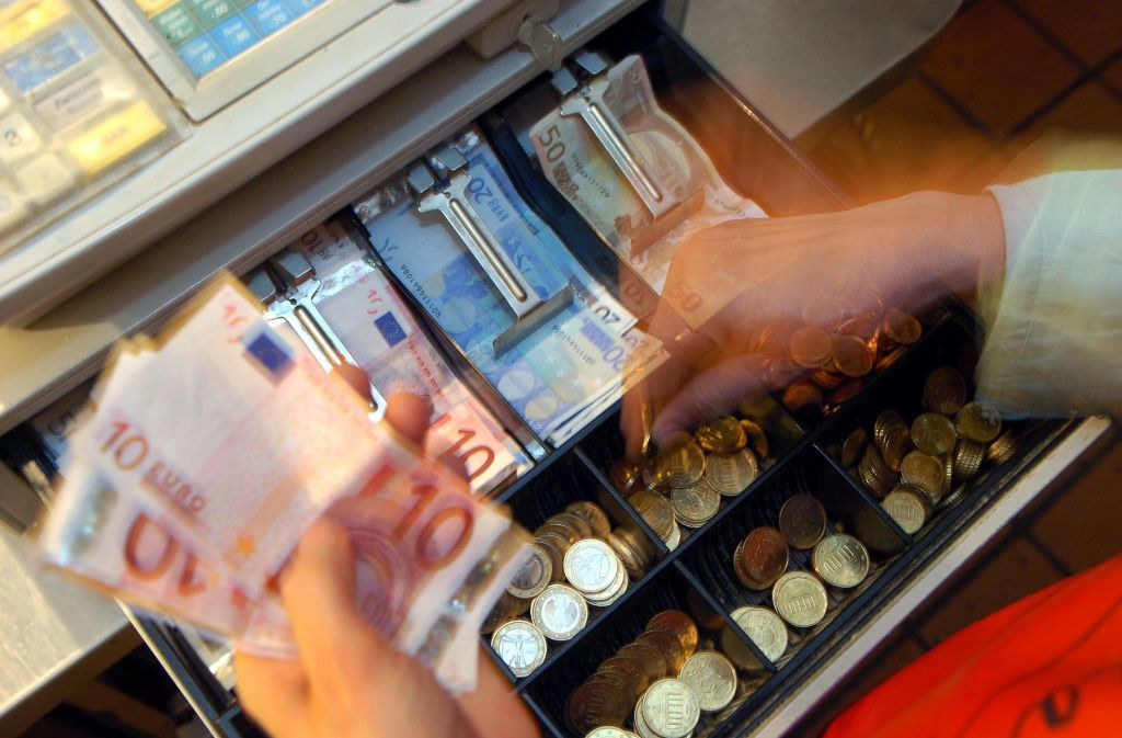 Der Bundestag geht gegen den Steuerbetrug mit der Ladenkassen vor. Foto: dpa