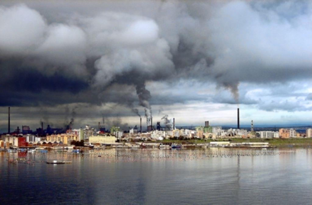 """Die Bürger von Taranto nennen ihr Stahlwerk """"Monstrum"""". Foto: wordpress"""