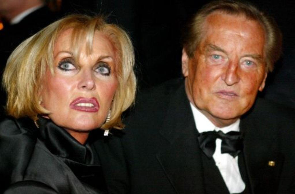 Gerhard Mayer-Vorfelder mit seiner Frau Margit. MV, der den VfB Stuttgart, den Fußball und Baden-Württembergs Politik über Jahre prägte, ist im Alter von 82 Jahren verstorben. Foto: dpa