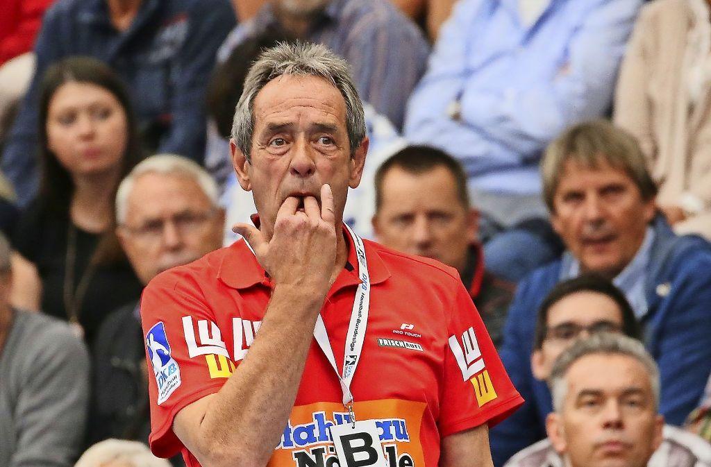Zufrieden mit der Leistung, enttäuscht über das Ergebnis: Frisch-Auf-Trainer Rolf Brack Foto: Baumann