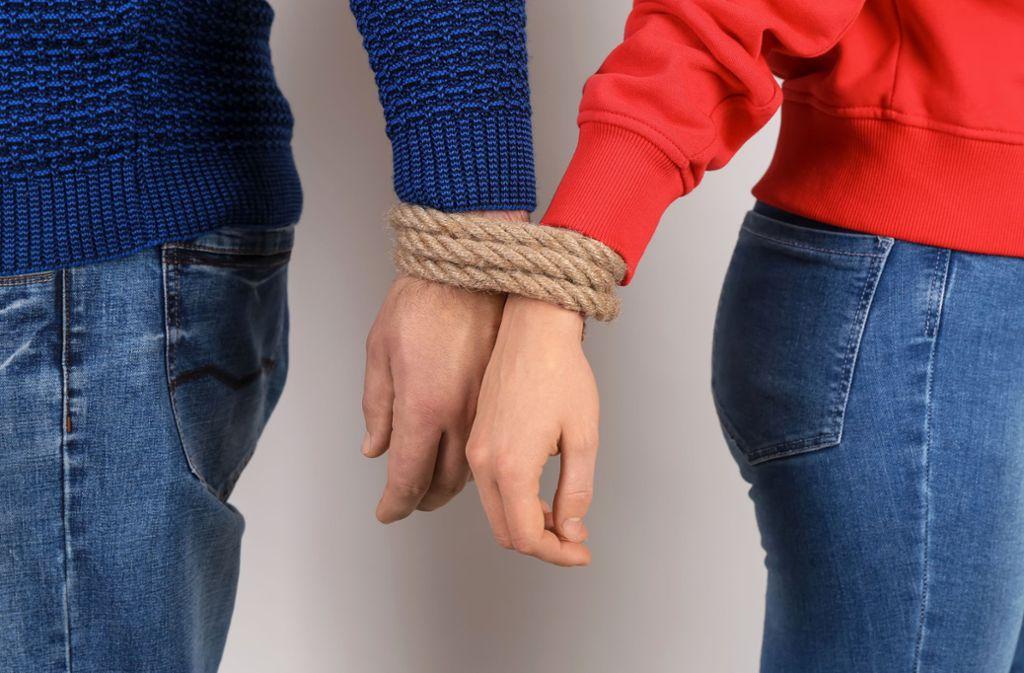Toxische Beziehungen sind ein Gift, von dem man nur schwer wegkommt. Foto: Leonid - stock.adobe.com