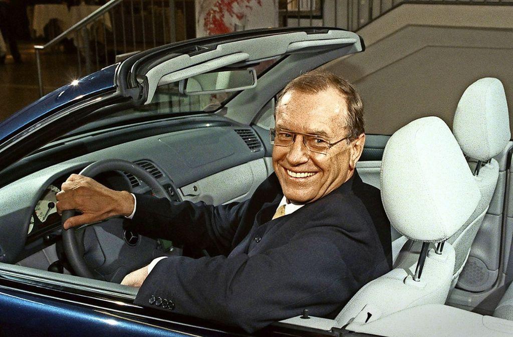 Der frühere Daimler-Chef Jürgen Schrempp war kein Freund  einer Holding– er schaffte  sie zwei Jahre nach seinem Amtsantritt ab. Foto: AP