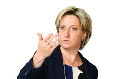 Hoffmeister-Kraut will Beherbergungsverbot aussetzen