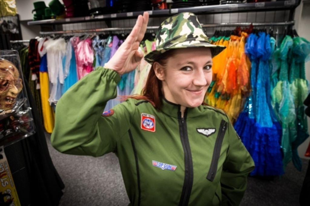Jennifer Raith als Pilotin Foto: