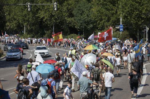 Hunderte Protestler in der Innenstadt unterwegs