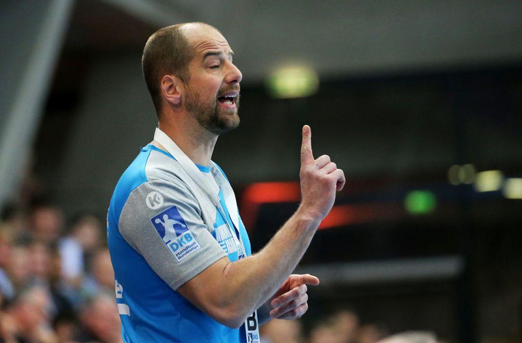 Jürgen Schweikardt muss mit seinem  TVB Stuttgart im Tabellenkeller der Handball-Bundesliga wachsam bleiben – negative Auswirkungen auf die Sportart durch das Trainerbeben beim DHB sieht der Trainer und Geschäftsführer  nicht. Foto: Baumann