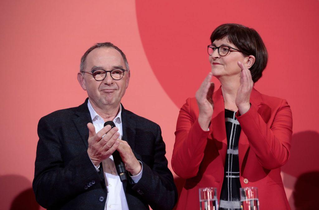 Neu gewählte SPD-Spitze: Norbert Walter-Borjans und Saskia Esken Foto: AFP/Axel Schmidt