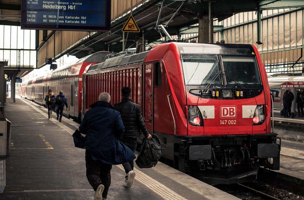Die Bahn will ihre Kapazitäten auch in Stuttgart im Fernverkehr bis 2030 auf die doppelte Fahrgastzahl und einen verlässlichen Halbstundentakt ausweiten. Foto: Lichtgut/Max Kovalenko