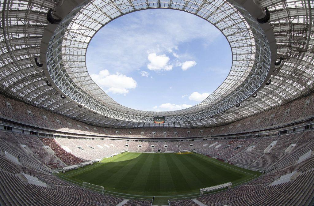 Das Luschnikistadion in Moskau – Stätte des WM-Endspiels 2018 – ist pompös. In der russischen Provinz gestalten sich die Dinge anders. Foto: AP