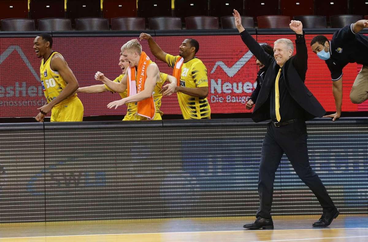 Jubel bei John Patrick nach dem Last-Second-Sieg Foto: Pressefoto Baumann