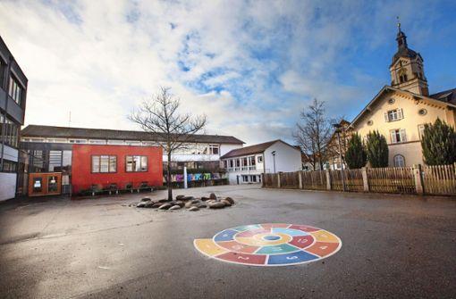 Schulhof mit Ecken zum Verweilen