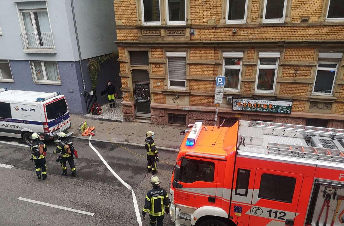 Ein Gasleck hat die Feuerwehr in Stuttgart-West auf den Plan gerufen. Foto: Julian Kares