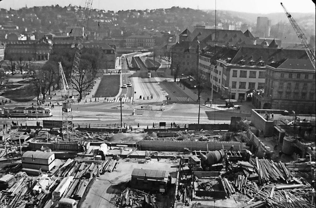 Blick auf die Planie während der Bauarbeiten für den Kleinen Schlossplatz im Jahr 1968.. Foto: Haus des Dokumentarfilms
