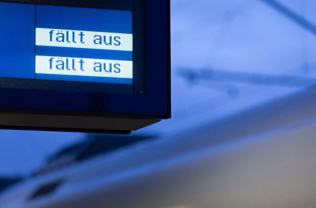 Wenn Züge sich verspäten oder ausfallen, erhalten Reisende eine Entschädigung. Foto: dpa