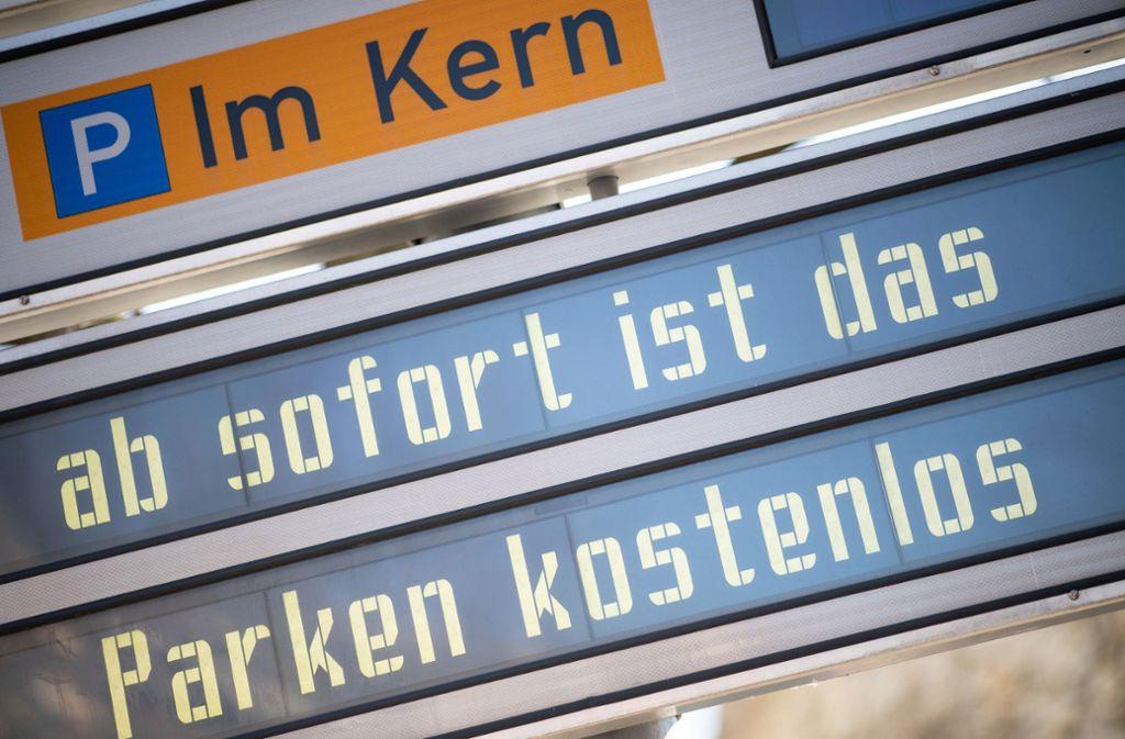 In einigen Städten ist das Parken nun kostenlos. Foto: dpa/Sebastian Gollnow