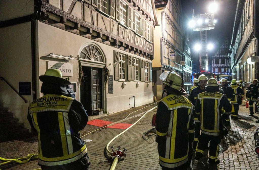 Mit einem Großaufgebot war die Feuerwehr im Einsatz. Foto: dpa/Kohls