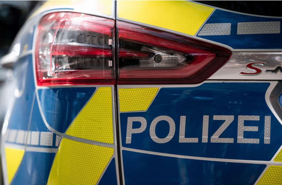 Die Polizei sucht Zeugen zu dem Trickdiebstahl in Feuerbach. (Symbolbild) Foto: dpa/Fabian Strauch