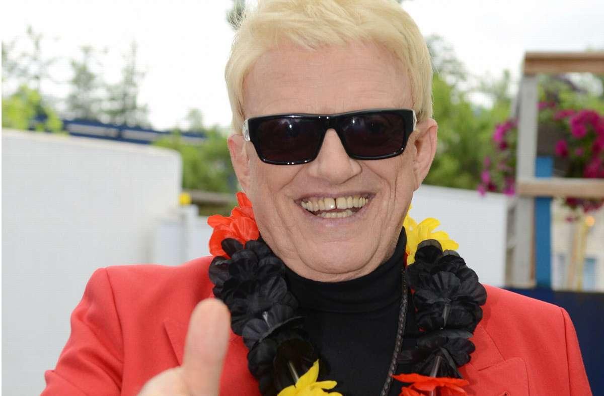 Der Sänger Heino in farbenfroher Aufmachung. Foto: dpa/Patrick Seeger