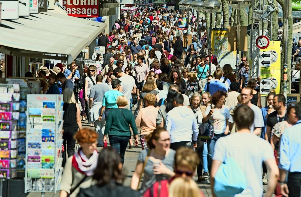 Mit dem verkaufoffenen Sonntag wollte die City-Initiative die Menschen nach Stuttgart locken. Nun steht die Chefin Bettina Fuchs Foto: dpa