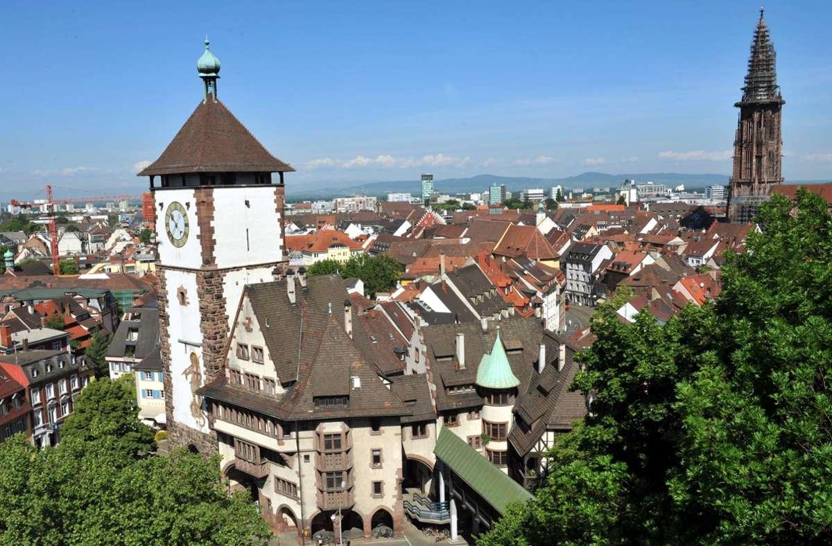 Künftig sollen Reisende mit der Bahn von Freiburg (im Bild) ins französische Colmar fahren können. Foto: picture alliance / dpa/Rolf Haid