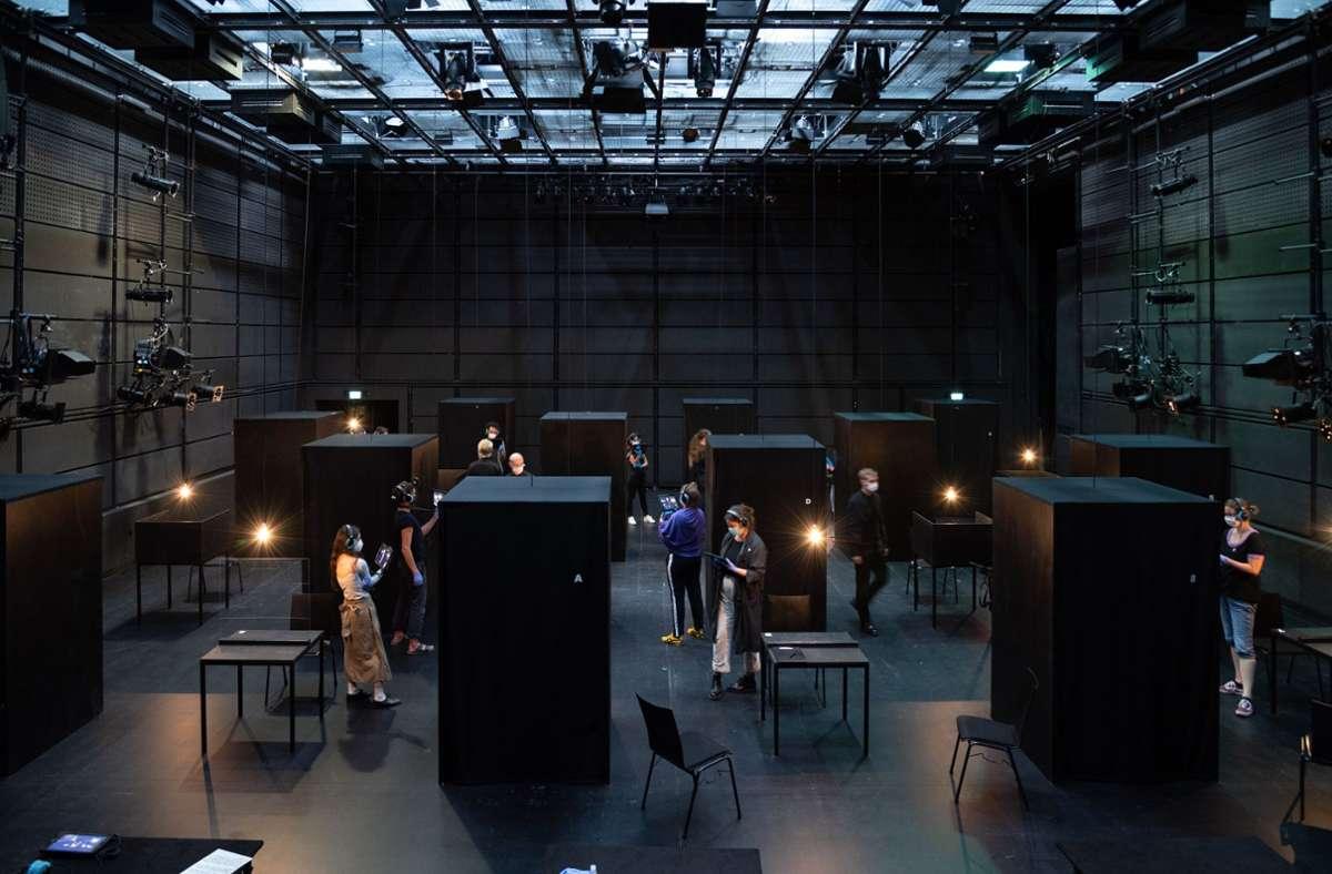 """So sah es bei """"un/true"""" im Stuttgarter Kammertheater aus. Foto: Björn Klein"""