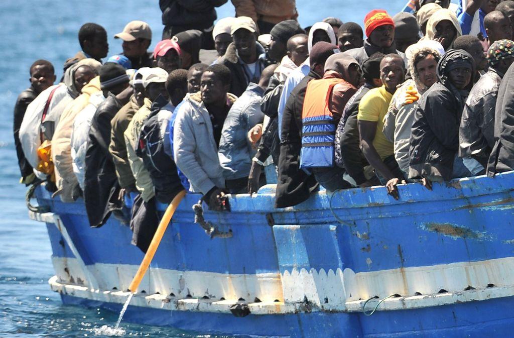 Bei einem Bootsunglück kamen mehr als 100 Menschen ums Leben (Symbolbild). Foto: ANSA
