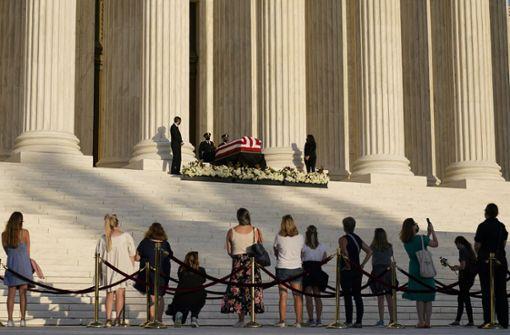 Lange Schlange vorm Supreme Court – viele nehmen Abschied