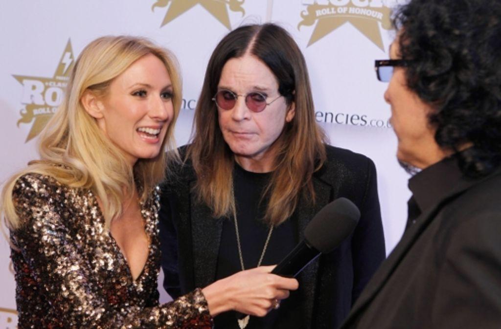 Ozzy Osbourne (Mitte) und Tony Iommi (rechts) von Black Sabbath heimsten drei Preise bei den Classic Rock Roll of Honour Awards ein.  Foto: Getty Images Europe