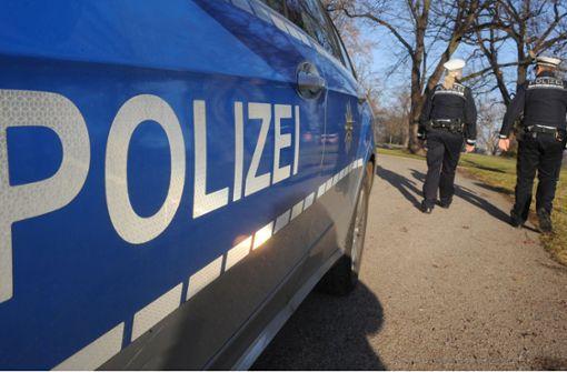 Aggressiver Betrunkener fordert Polizisten zum Kampf heraus