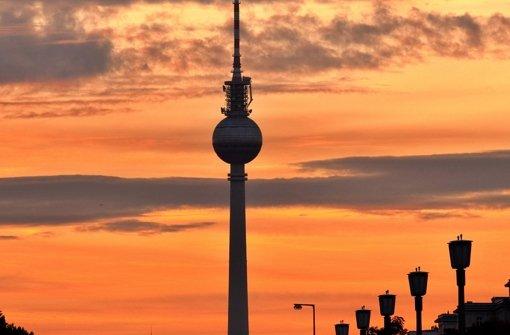 Der Berliner Fernsehturm ist im Jahr 2000 umgebaut worden. Foto: dpa