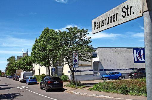 Ärger über vollgeparkte Karlsruher Straße