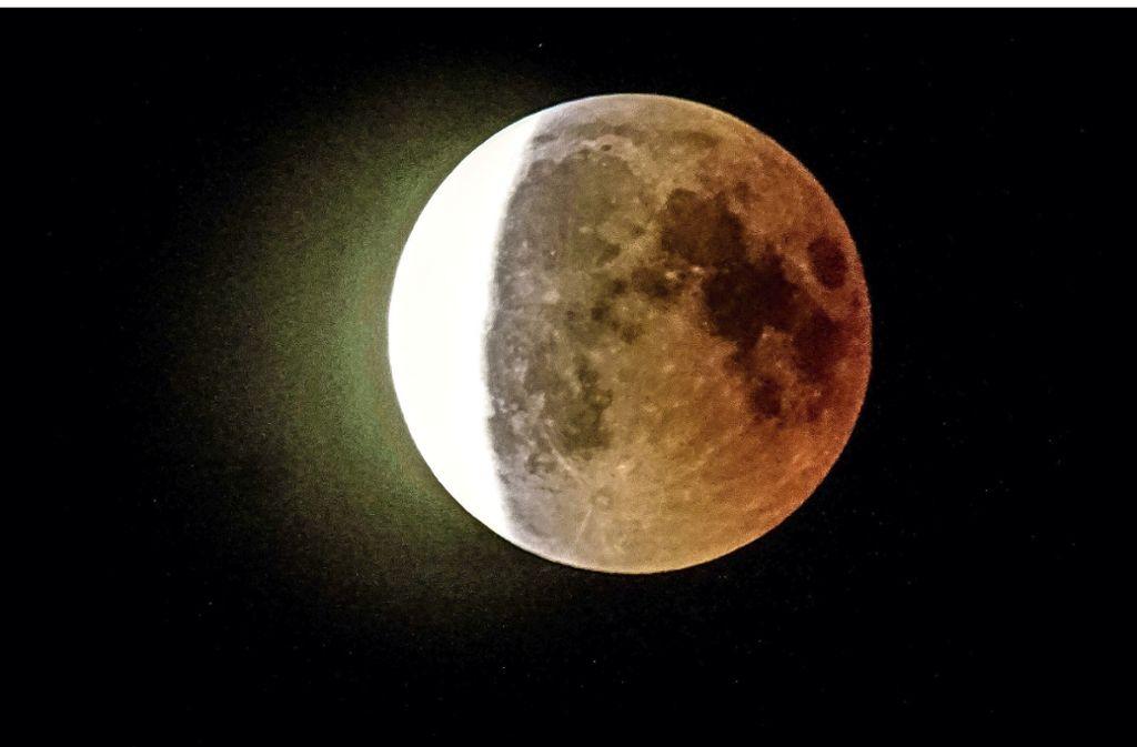 Am 21. Januar verdunkelt sich der Mond – und zeigt sich zudem blutrot. Ein ähnliches Schauspiel war bereits am 27. Juli 2018  am Nachthimmel zu sehen. Foto: SDMG