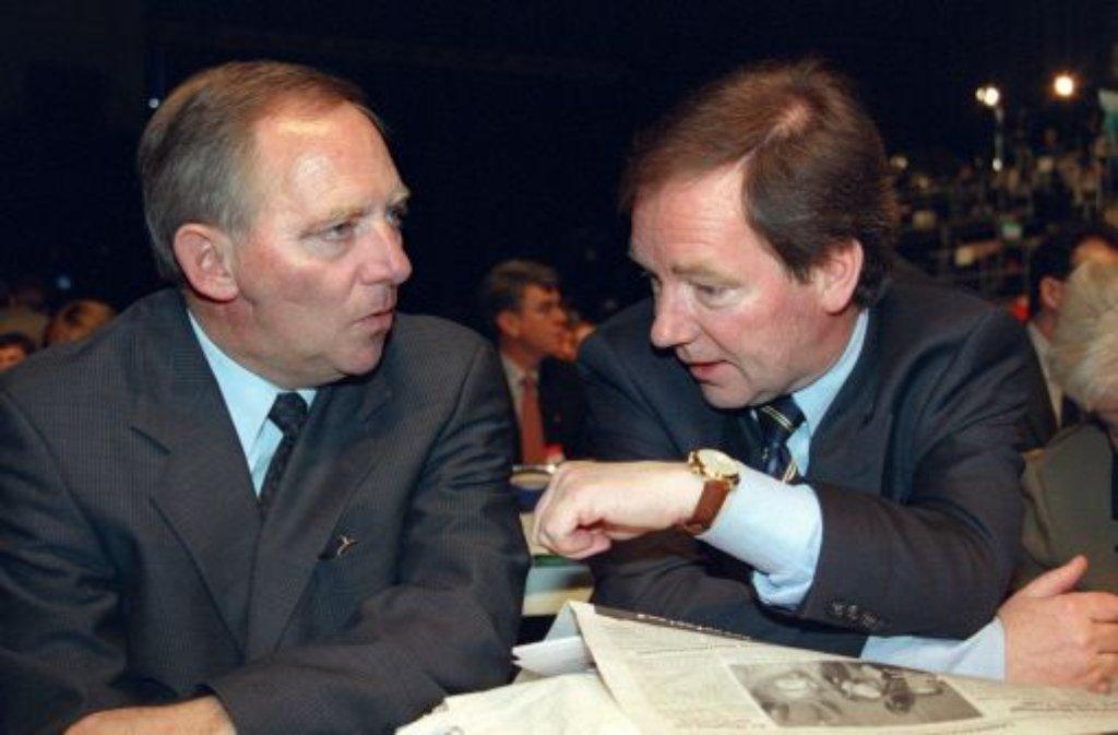 Thomas Schäuble (rechts), der langjährige Geschäftsführer der landeseigenen Brauerei Rothaus und Bruder von Finanzminister Wolfgang Schäuble (links), ist tot. Foto: dpa