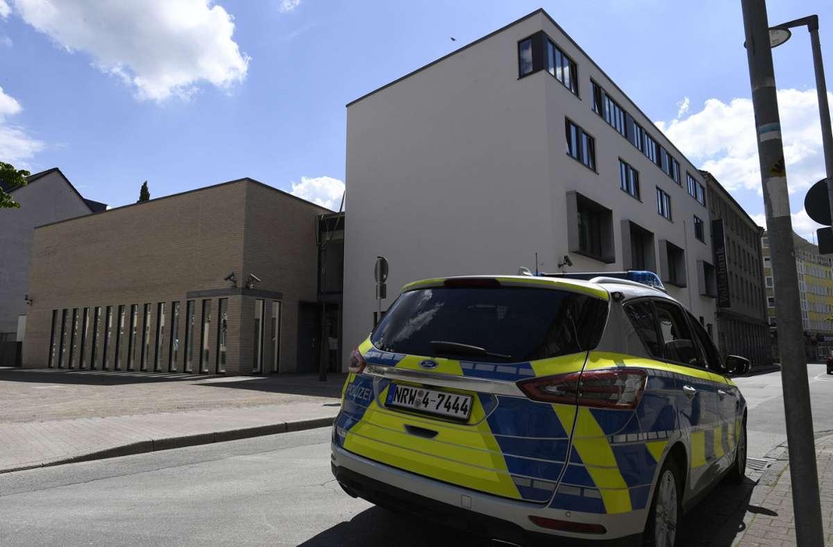 Die Polizei hatte am Mittwochabend einen antisemitischen Demonstrationszug in Gelsenkirchen gestoppt. Foto: dpa/Roberto Pfeil