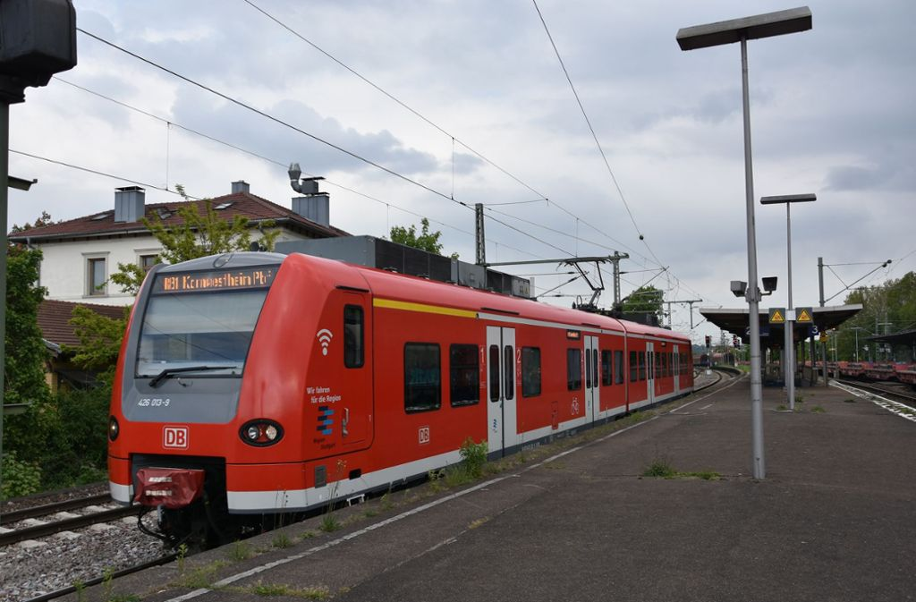Die Schusterbahn fährt heute von Untertürkheim bis Kornwestheim. Ihr Betrieb soll ausgeweitet werden. Foto: Mathias Kuhn