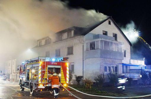 Millionen-Schaden nach Feuer in Mehrfamilienhaus
