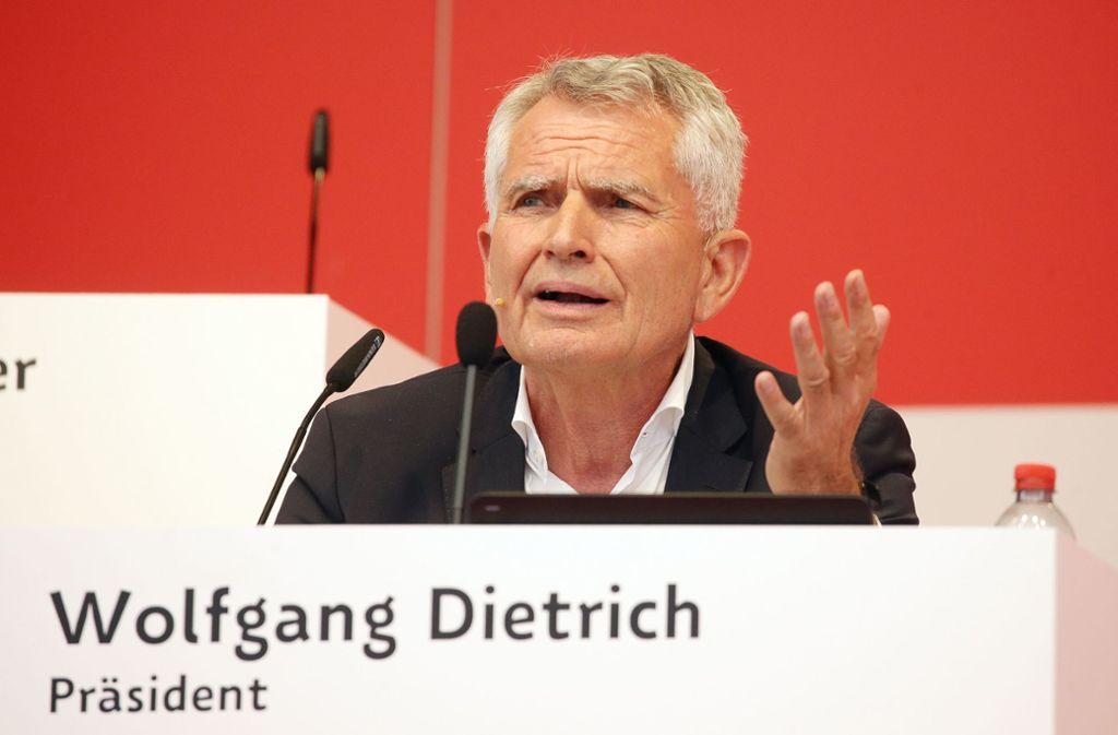 Wolfgang Dietrich gerät in Erklärungsnot Der zurückgetretene VfB-Präsident soll nicht die Wahrheit gesagt haben. Foto: Baumann
