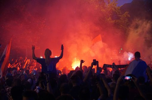 Kroatische Freudenfeuer in der Stuttgarter Innenstadt