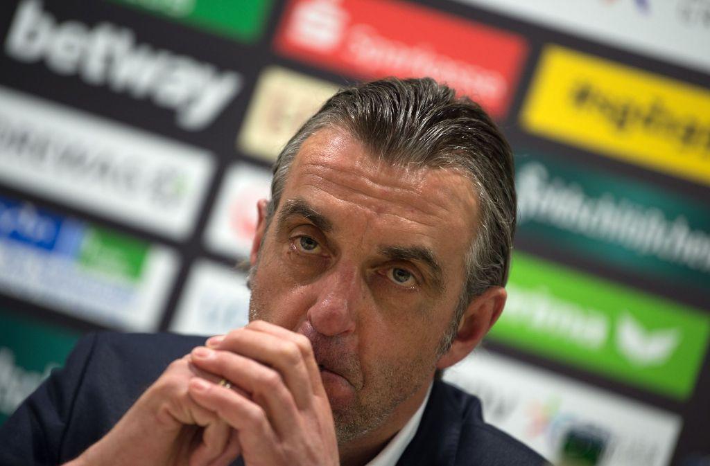 Der Geschäftsführer von Dynamo Dresden, Ralf Minge, äußert sich zur Aufarbeitung der Krawalle beim Spiel am 14. Mai in Karlsruhe Foto: dpa-Zentralbild