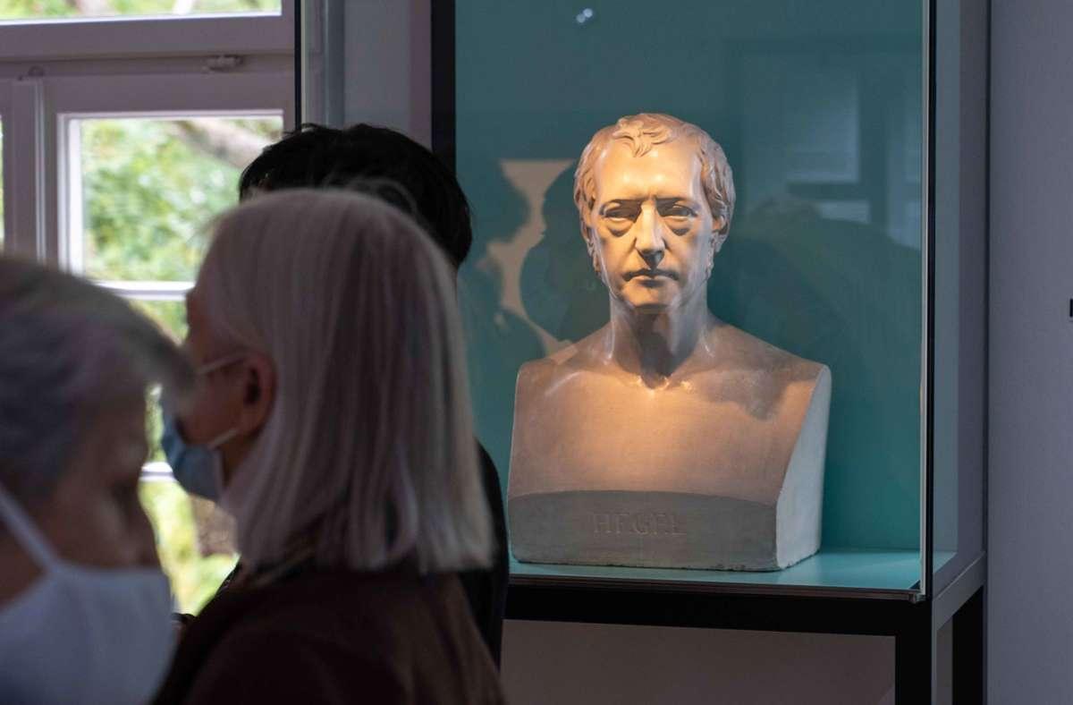 Unter anderem eine Büste Hegels ist im neu eröffneten Museum in seinem Geburtshaus in Stuttgart zu sehen. Foto: Julia Schramm/Lichtgut