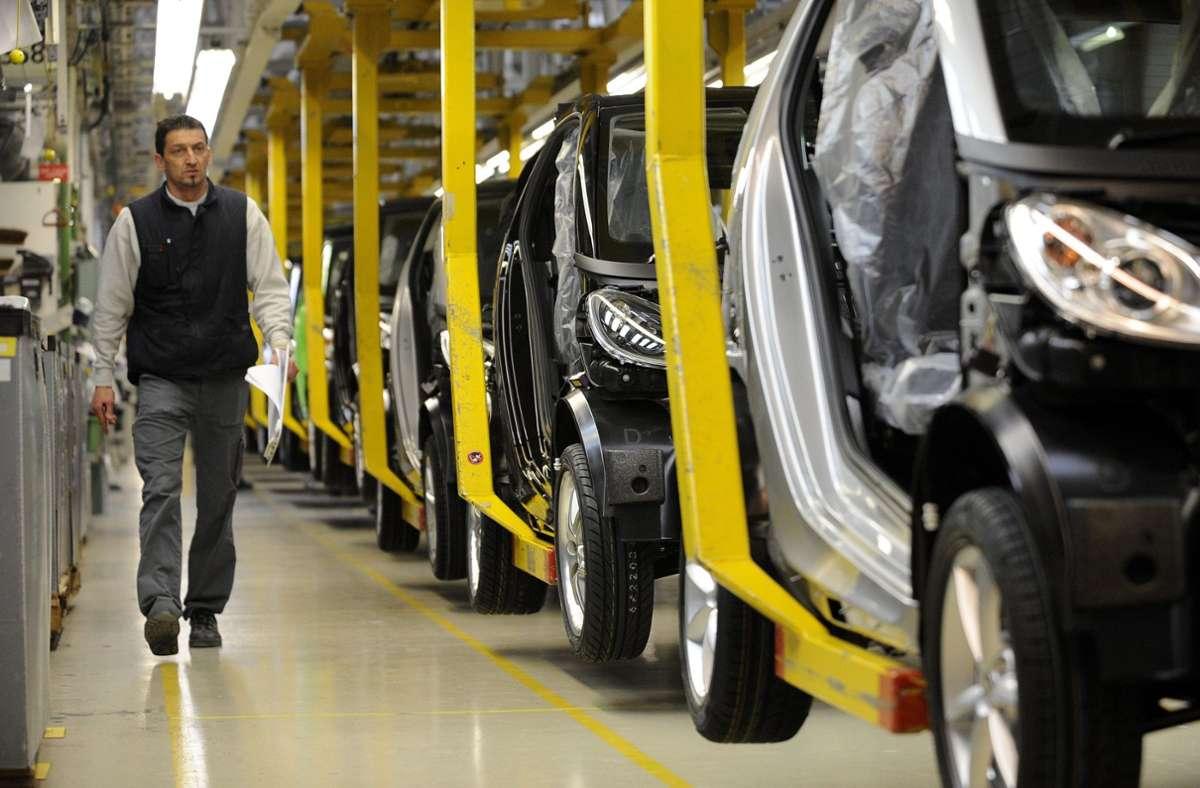 Geländewagen statt Smart? Für das Daimler-Werk in Hambach gibt es einen Interessenten. Foto: dpa/Yoan Valat