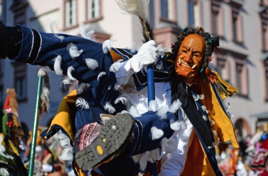 Die schwäbisch-alemannische Fastnacht wird im Südwesten in Baden-Württemberg und in Teilen der deutschsprachigen Schweiz gefeiert. Dort spricht man von Fasnet, Fasnacht oder Fasent.  Foto: dpa