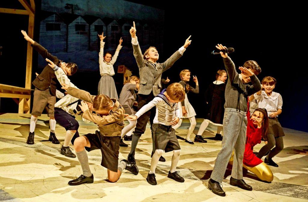 Die Kinder-Laiendarsteller setzen in der  schwerfälligen Dramaturgie einen Kontrapunkt. Foto: Conny Mirbach