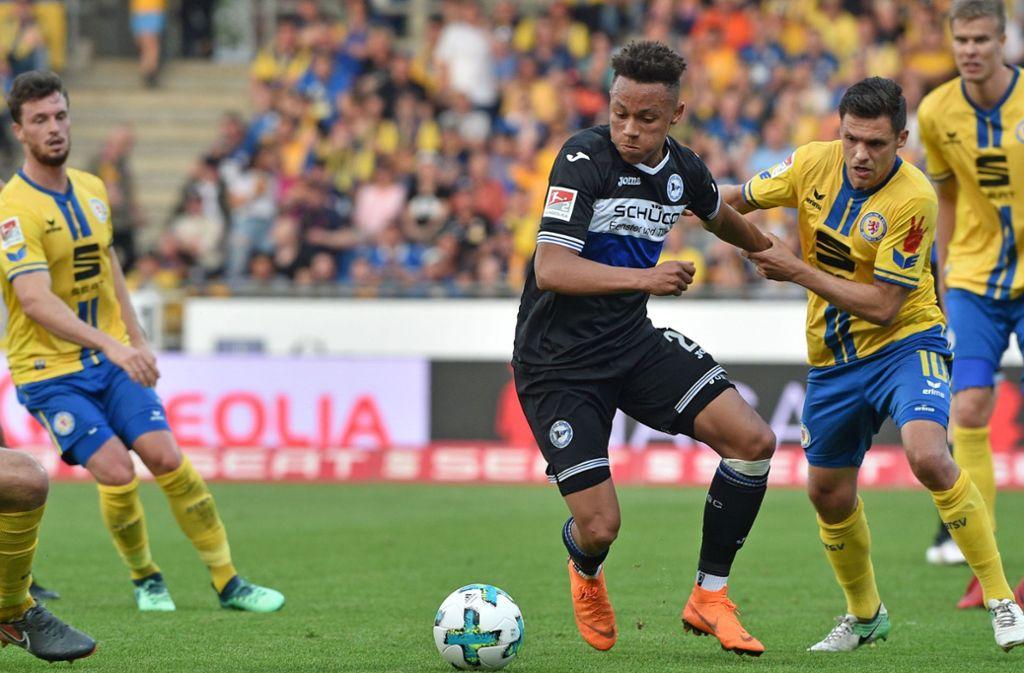 Bye-bye, Bielefeld: Roberto Massimo trägt künftig das Trikot des VfB. Foto: Getty Images
