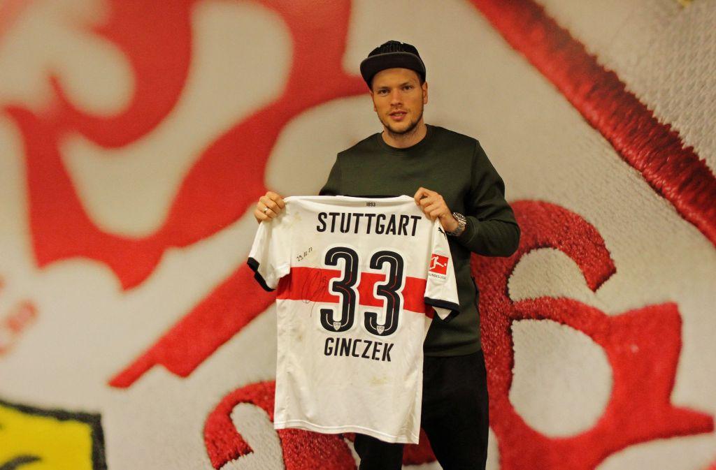 Daniel Ginczek trug sein Trikot gegen den SC Freiburg am 29. Oktober 2017. Foto: United Charity