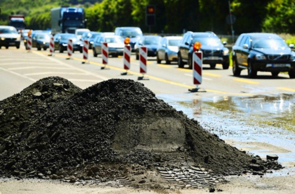 Auf der Prioritätenliste der Wirtschaft steht der Straßenausbau Foto: