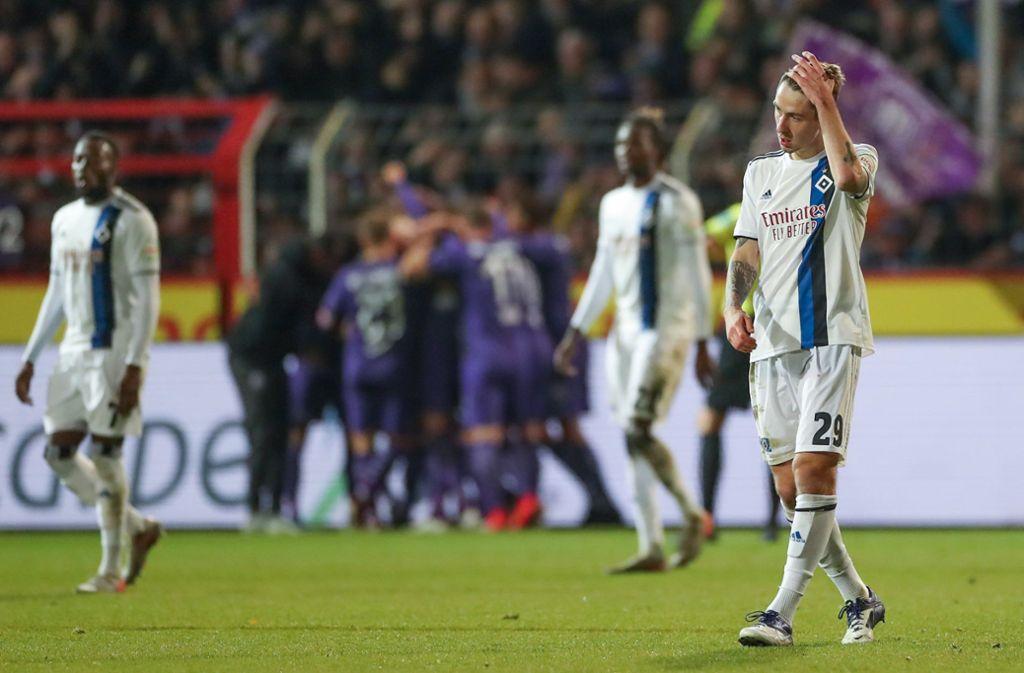 Bittere Pleite für den Hamburger SV beim VfL Osnabrück. Foto: dpa/Friso Gentsch