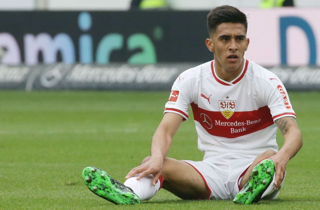 Nicolas Gonzalez und der VfB Stuttgart am Boden. Unsere Redaktion hat die Leistung der Spieler wie folgt bewertet. Foto: Pressefoto Baumann