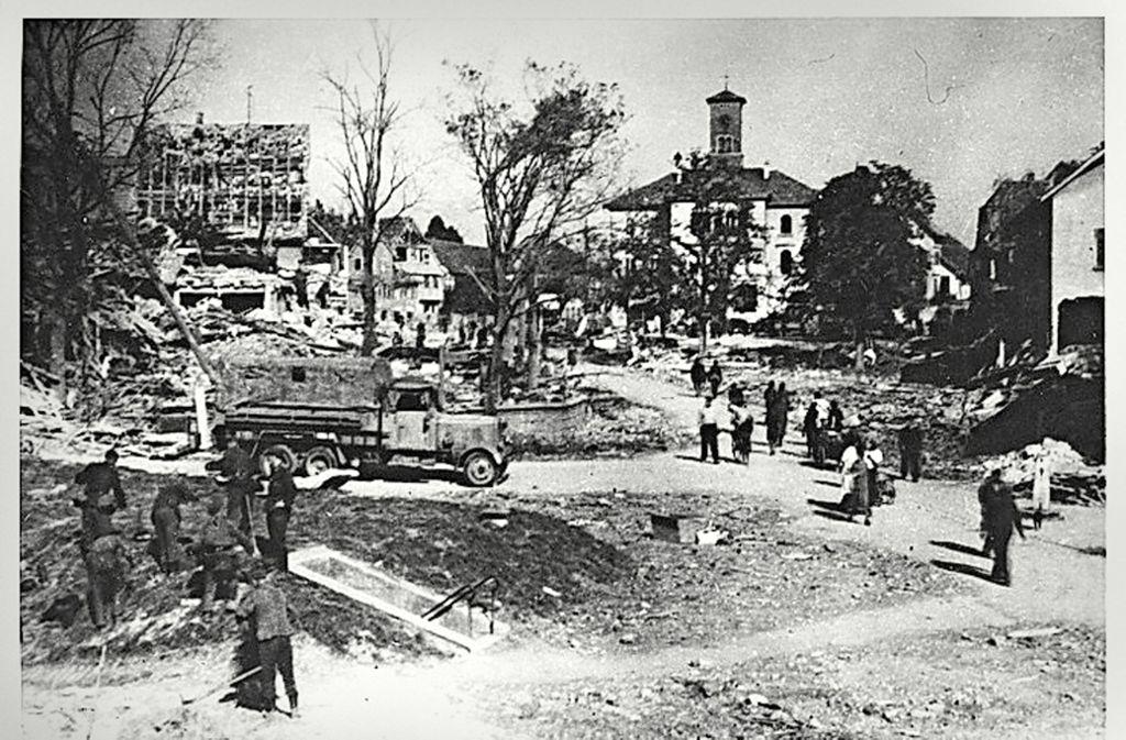 So sah der Marktplatz nach der Bombardierung aus. Foto: Stadtarchiv Sindelfingen